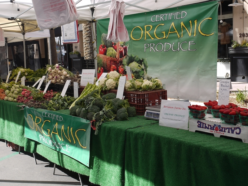 6 Organic Produce Available at Downtown Anaheim's Farmers' Market